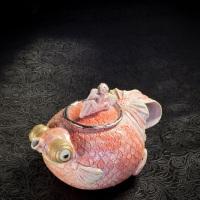 Ruiji Aiba, Telescope Goldfish Teapot, h 10 × 15 × 10 cm