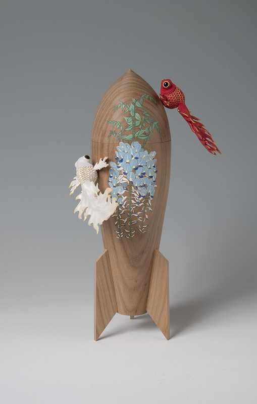 Yoshiki Katsuta, Wisteria and Flaming Goldfish, 2019, 30 × 18 × 10.5 cm
