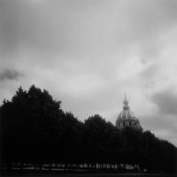 遠藤桂「les Invalides」写真ゼラチンシルバープリント, A)17.6x17.6cm B) 39x39cm