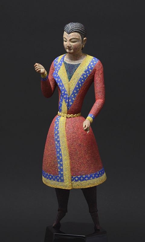 「ソグドの剣士 - 祈り2」 2018, h 24.0 cm, 榧・漆・顔料