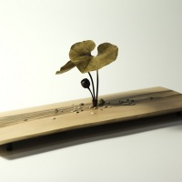 福田亨「五月の足下」L286×D107×H110 mm