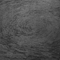 梶岡俊幸「流る」2020年、S0号(h18 x w18cm)、麻紙、墨、墨汁、鉛筆
