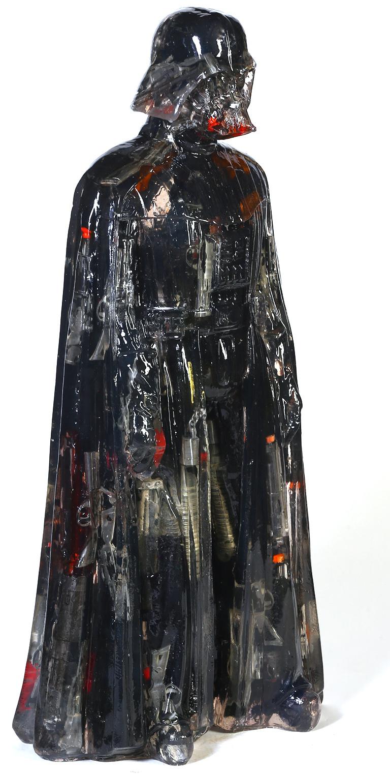 ALBEN「Gun Vader」2017年、h90×42×27 cm、樹脂、トイガン